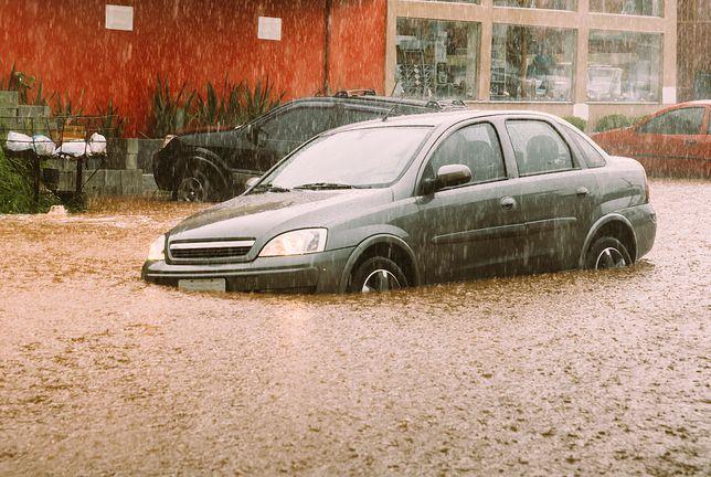 Hiszpania: ulewne deszcze paraliżują kraj