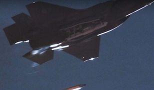 USA. Myśliwiec F-35 zrzucił lotniczą bombę atomową. Zobacz nagranie z testu