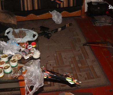 Policjanci odkryli arsenał broni w mieszkaniu w Świętochłowicach