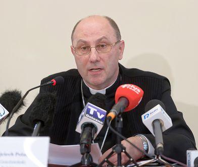 Prymas polski abp Wojciech Polak twierdzi, że niektórzy polscy biskupi stale proszą o wybaczenie ws. pedofilii