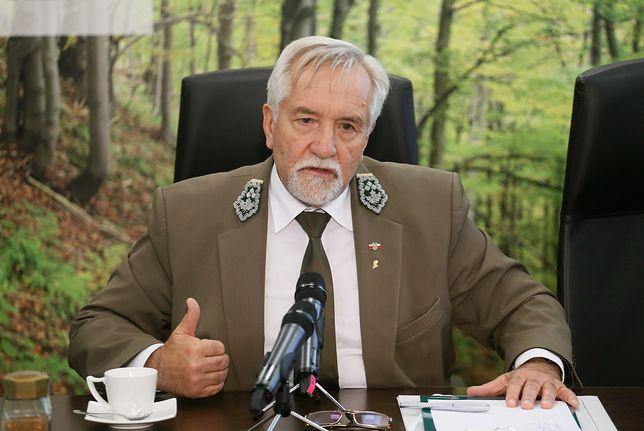 Opłaca się być dyrektorem Lasów Państwowych. Doskonale o tym wie Konrad Tomaszewski