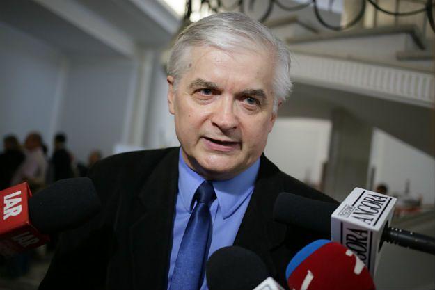 Włodzimierz Cimoszewicz: ustawa o prokuraturze to skandal. Ziobro będzie manipulował aktami