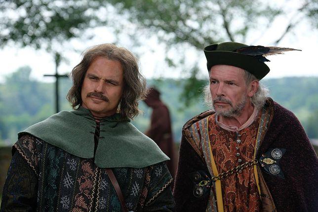 """Widzowie śmieją się z aktora w """"Koronie królów"""". """"Wieczorkowski z wąsem, płaczę"""""""