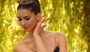 Primabalerina moskiewskiego baletu odkrywa tajemnice sztuki tańca klasycznego.