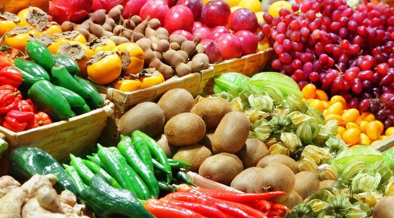"""Ekspertka wyjaśnia, jak należy rozumieć określenie """"porcja"""", w stosunku do warzyw i owoców"""