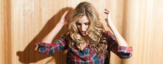 Czy wiesz, jaki kolor włosów najlepiej pasuje do twojego typu urody! Sprawdź i nie ryzykuj