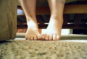 Obolałe i spuchnięte nogi