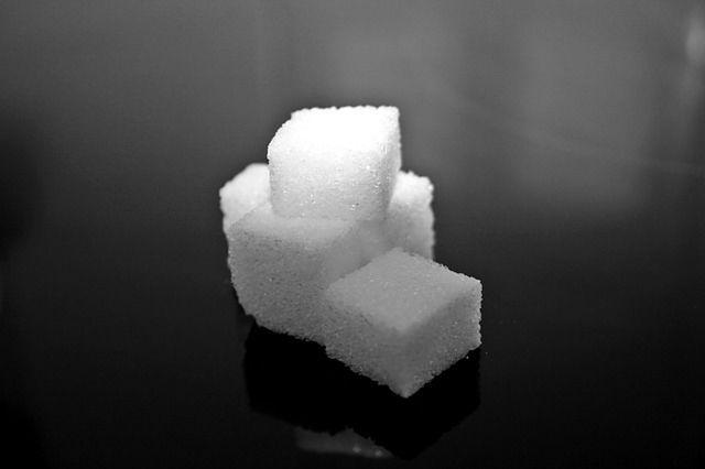 Mit: Zbyt dużo cukru powoduje cukrzycę