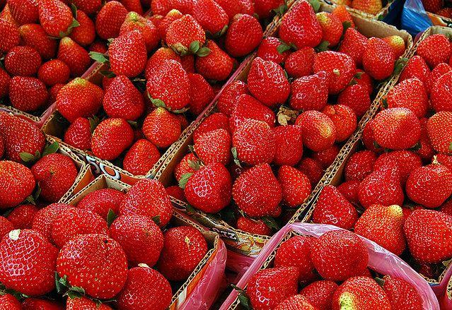 Jak powszechne są alergie na truskawki, orzechy ziemne i barwniki spożywcze?