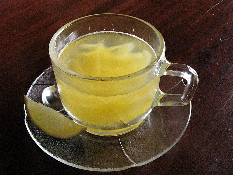 Ziołowa herbatka z cytryną