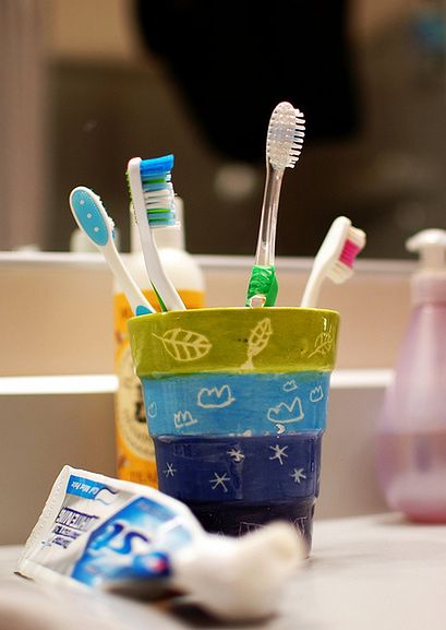 Kubek ze szczoteczkami do mycia zębów