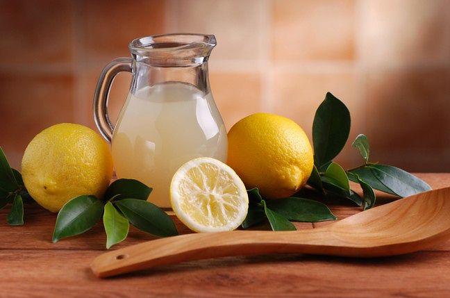 Sok z cytryny dla gładkich ust