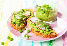 Kanapki z pastą z zielonego groszku - idealne danie na kolację