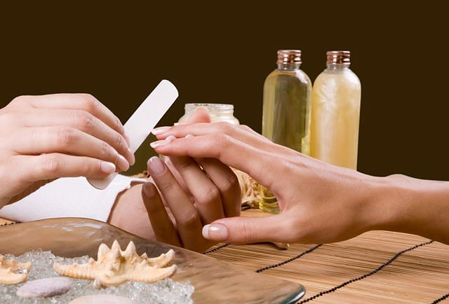 Zadbane paznokcie - piłowanie
