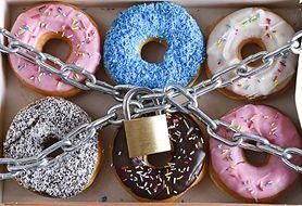 21 prostych i skutecznych sposobów, aby zwalczyć ochotę na słodycze