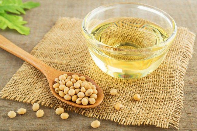 Olej z soi przetwarza się za pomocą heksanu