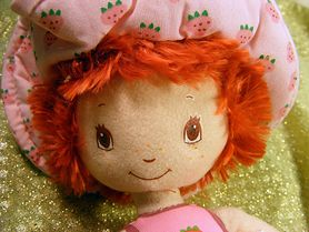 Zastanawiasz się, jaką lalkę wybrać dla dziecka? Podpowiadamy!