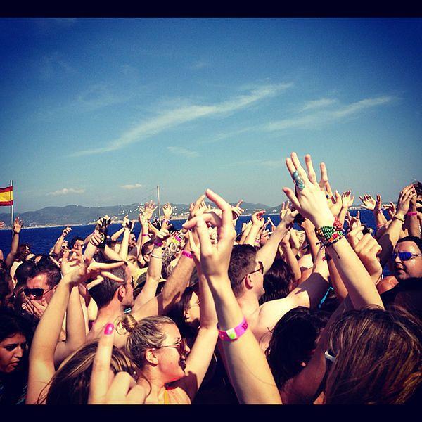 Najlepsze wyspy na imprezowe wakacje we wrześniu