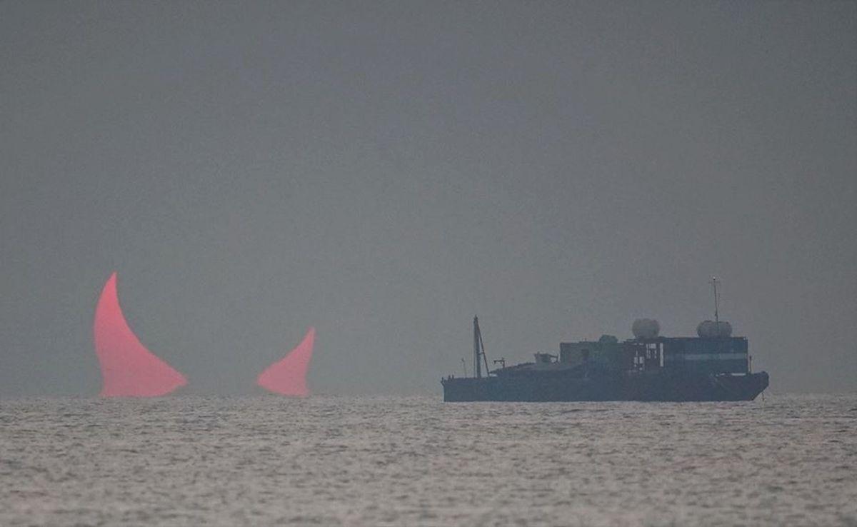 Pierścieniowe zaćmienie słońca w Katarze. Ognista kula zamieniła się w rogi diabła