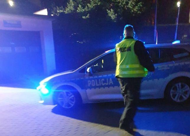 Śląskie. Patrol drogowy z Będzina eskortował do szpitala w Siemianowicach Śląskich kierowcę z rodzącą 18-letnią kobietą.