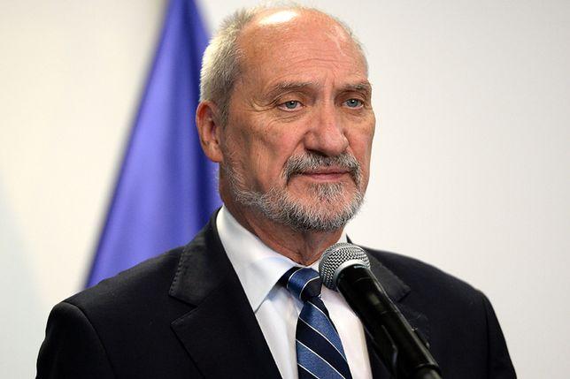 PO oskarża Macierewicza i chce wyjaśnień od premier. Gorąca dyskusja w Sejmie wokół książki Piątka