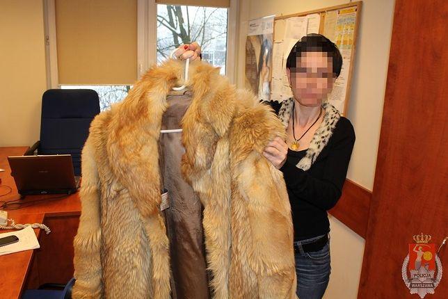 Chciał sprzedać futro z wilka rudego