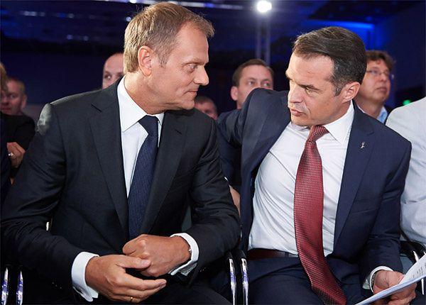 Premier Donald Tusk i minister transportu Sławomir Nowak
