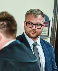 Były radny PiS Rafał Piasecki miał znęcać się fizycznie i psychicznie nad żoną. Batalia sądowa trwa