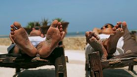Popękane pięty mogą być objawem choroby. Nie zawsze winna jest zła pielęgnacja (WIDEO)