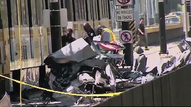 Pociąg staranował samochód, 21 osób rannych