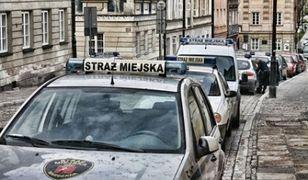 Straż miejska z Wejherowa zatrzymała 22-latka. Uderzył kobietę w twarz