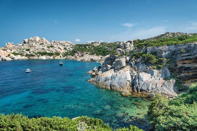Wczasy na Sardynii - fascynujące grobowce i święte źródła