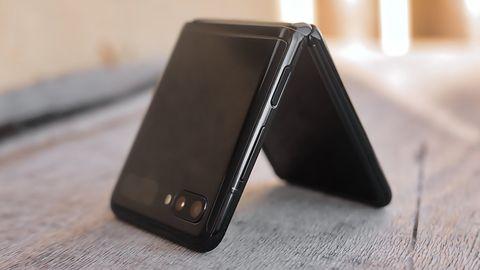 Samsung grozi utratą gwarancji za naklejenie folii ochronnej wyświetlacza