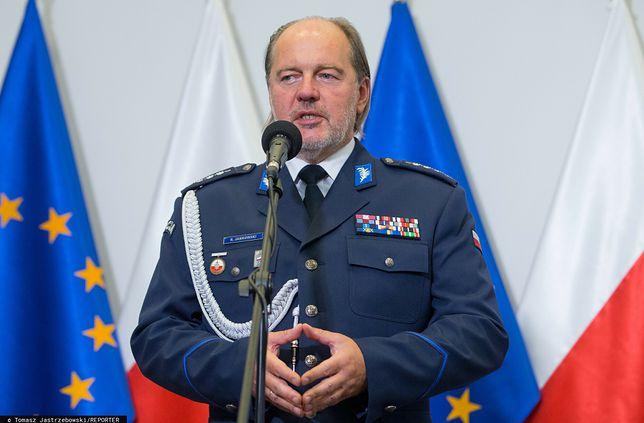 Szczepienia na COVID. Apel szefa policyjnych związkowców do Dworczyka i Niedzielskiego