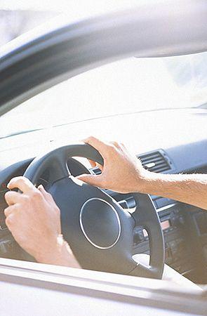 Koniec samowoli kierowców na osiedlach i przy marketach