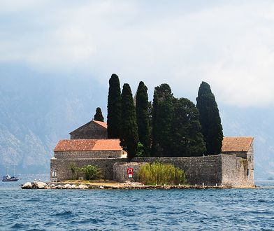 Boka Kotorska i jej małe wysepki - prawdziwy cud natury