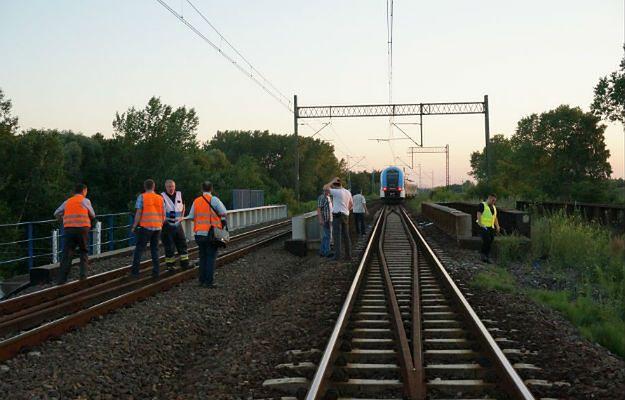 Pociąg SKM potrącił młodego mężczyznę. Nastolatek mimo reanimacji zmarł