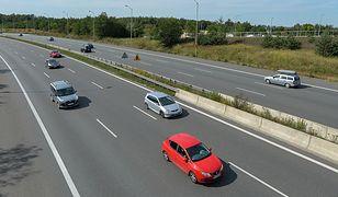 Polski limit prędkości na autostradach - 140 km/h - należy do najwyższych w Europie