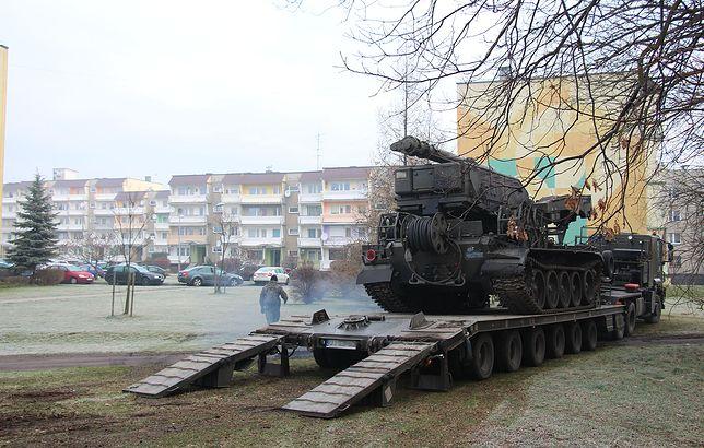 """Wojsko na ulicach Piekar, ludzie zaskoczeni. """"Nie ma wojny"""""""