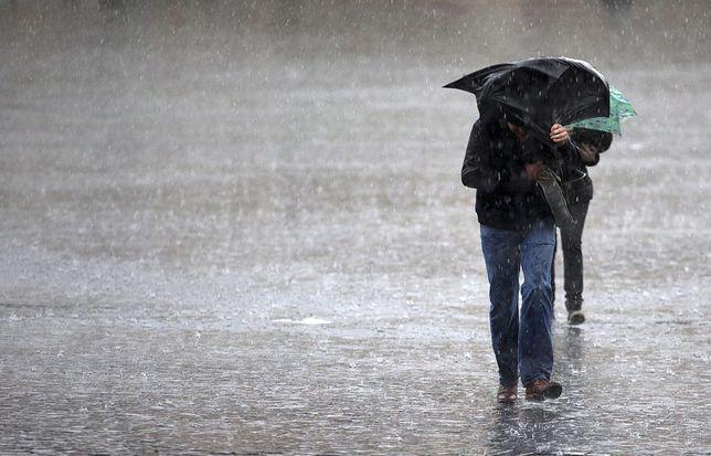 Pogoda na dziś - 13 lutego. Opady deszczu i silny wiatr w wielu regionach kraju.