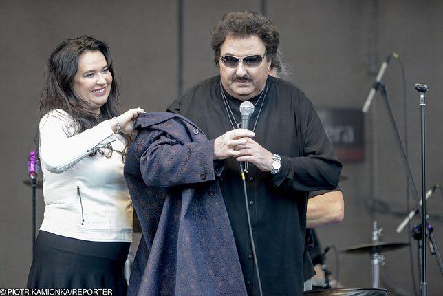 Krzysztof Krawczyk z żoną