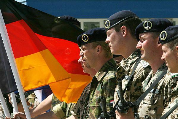 Niemieccy żołnierze, którzy służą w strukturach NATO