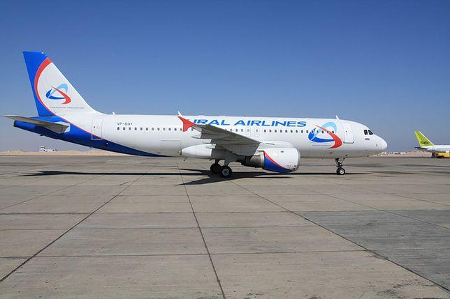 Dubaj - stewardesa wypadła z samolotu