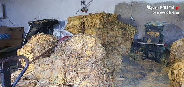 Dąbrowa Górnicza. Policjanci zarekwirowali ponad 1,5 tony nielegalnego tytoniu.