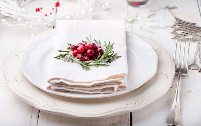 Nakrycie świątecznego stołu