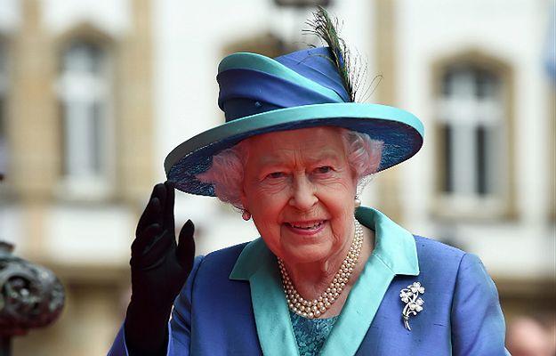 Królowa Elżbieta II będzie w tym roku obchodzić 90. urodziny. Zaproszenie na przyjęcie kosztuje 150 funtów, organizacje dobroczynne zaskoczone ceną