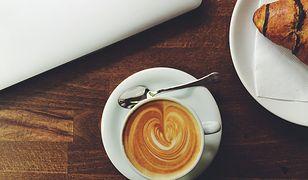 Jaki ekspres dla fana mlecznych kaw?