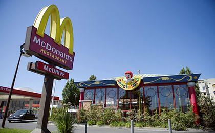 Zepsute mięso w wielkich sieciach fast food