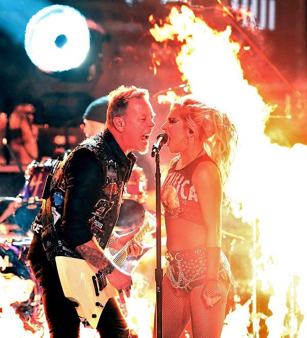 Wpadka na Grammy 2017. Lady Gaga uratowała występ Metalliki. James Hetfield wściekły