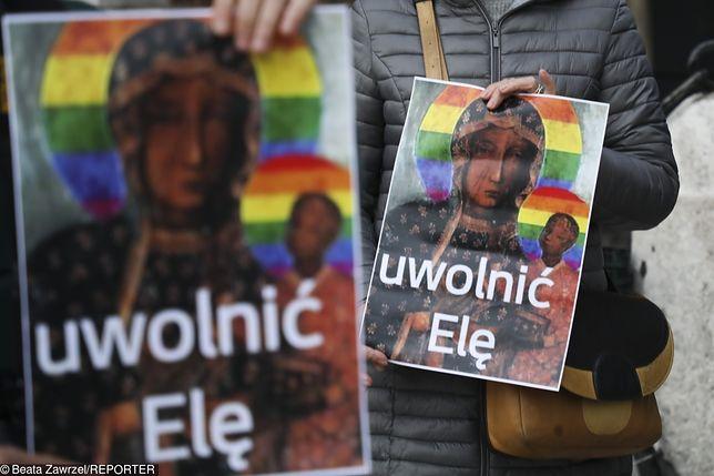 Protest w obronie autorki plakatu tęczowej Matki Boskiej.